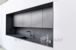 фото: кухня в современном стиле из массива