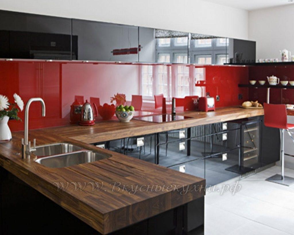 Фото: кухня в стиле модерн из массива