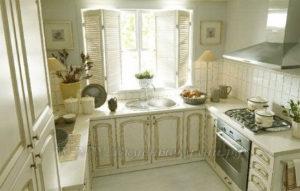 Фото: белая кухня в стиле кантри