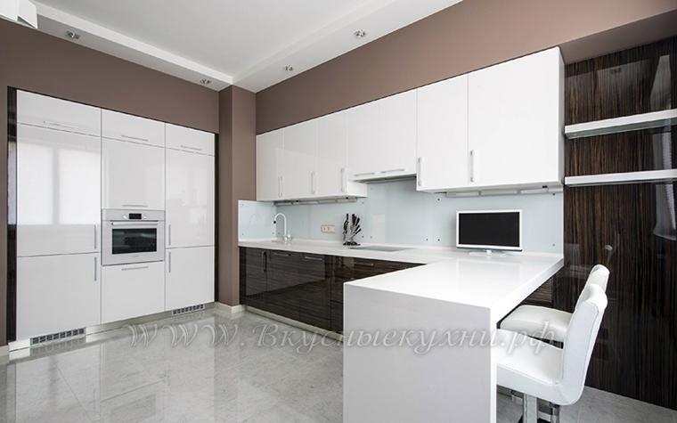 Фото: кухня в стиле модерн в белых тонах
